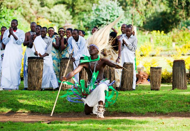 Rwanda dancing